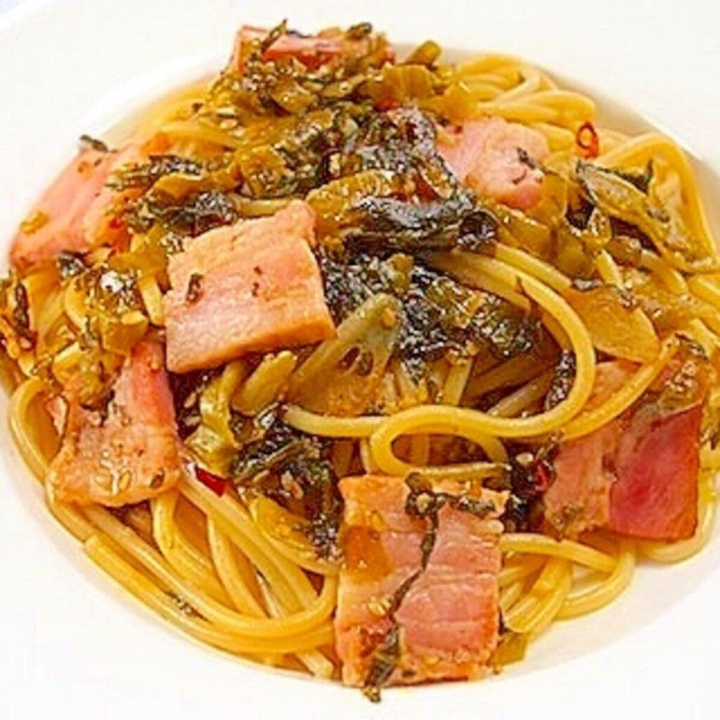 高菜とカリカリベーコンのスパゲティ